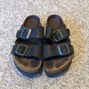 Birkenstock black Arizona softbed strappy sandal 7